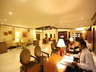 Hotel Clark Greens - Airport Hotel & Spa Resorts New Delhi and NCR - Reception