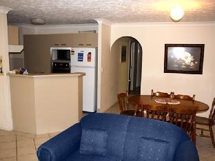 Pelican Cove Apartments5