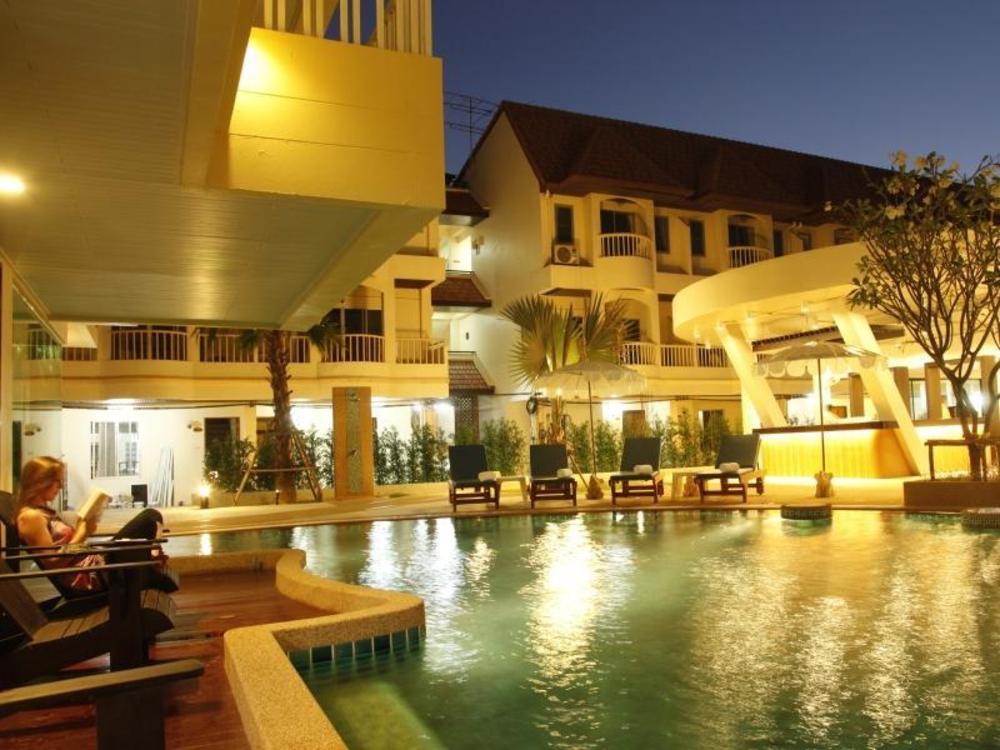 Palmyra Patong Resort (SHA Certified)