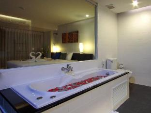 Palmyra Patong Resort Phuket - Suite - Bathroom