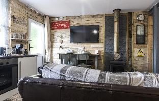Holey Moley Lodge - 2 Bedroom  - Pembrokeshire