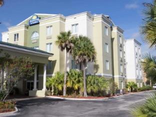 Reviews Days Inn & Suites by Wyndham Fort Pierce I-95
