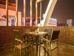 Hotel Grand Godwin New Delhi and NCR - Roof Top Restaurant