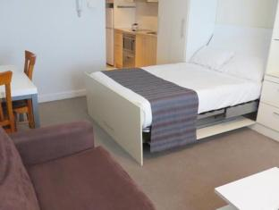 Waldorf Pennant Hills Apartment Hotel Sydney - Guest Room