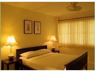 チェンプアック ホテル Changpuak Hotel