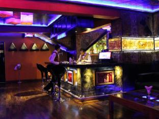 Hotel Clarion Colombo - Pharaohs cocktail and music lounge
