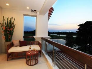 Summit Windmill Golf Residence Bangkok - Balcony/Terrace