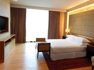 Four Points By Sheraton Kuching Hotel Kuching - Four Points Suite - Bedroom