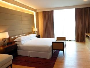 Century Kuching Hotel Kuching - Suite Bedroom