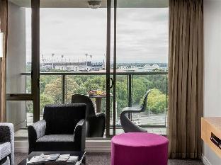 Quay West Suites Melbourne2