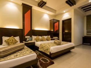 Aster Inn New Delhi and NCR - Deluxe Room with Extra Bed