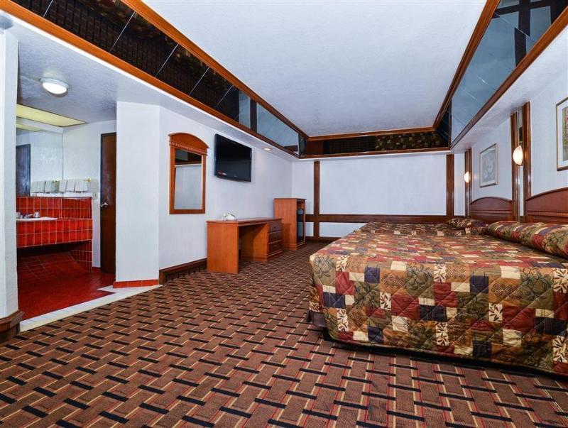 Americas Best Value Inn & Suites Los Angeles Downtown Sw - Los Angeles, CA 90062