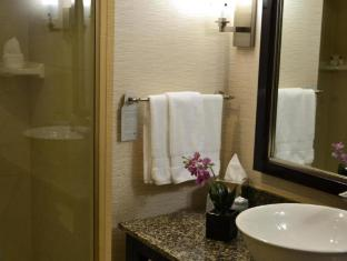 Embassy Suites Palmdale Hotel