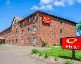 Econo Lodge Inn and Suites Bettendorf