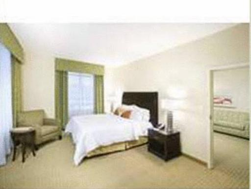 ➦  Hilton Worldwide    (Virginia) customer rating