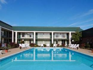 Howard Johnson Inn Bardstown Bardstown (KY) - Swimming Pool