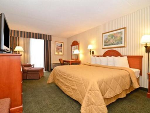 Quality Inn hotel accepts paypal in Camp Springs (MD)