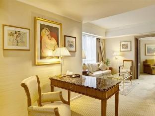Park Tower a Luxury Collection Hotel