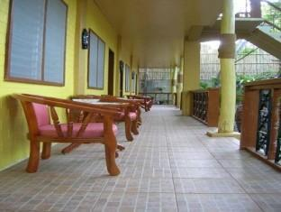 Darayonan Lodge Coron - Balcony/Terrace