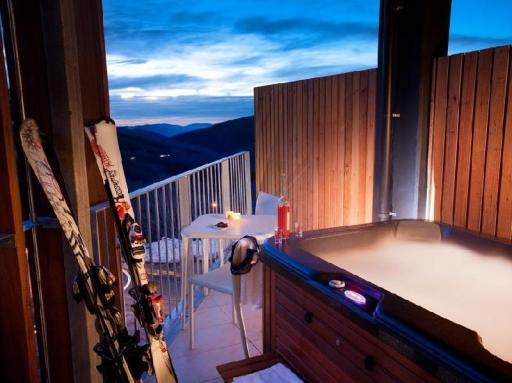 Best guest rating in Falls Creek ➦ Attunga Alpine Lodge and Apartments takes PayPal