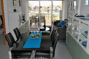 Inspiring Sea Apartment