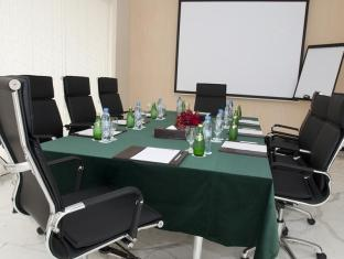 Al Nawras Hotel Apartments Dubai - Meeting Room