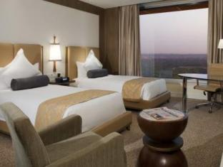 Crowne Plaza Hotel New Delhi Okhla New Delhi and NCR - Guest Room