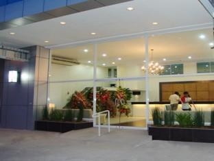 โรงแรมปิแอร์ คัวโตร เซบูซิตี้ - ภายนอกโรงแรม