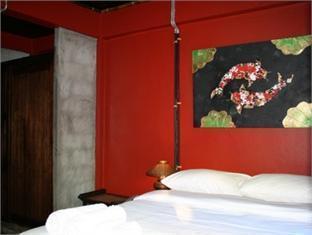 Saithong Guest House guestroom junior suite