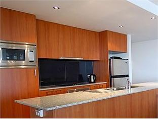 Swan Riverside Luxury Apartment Perth - Kitchen Facilities