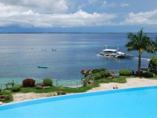 Vista Mar Beach Resort & Country Club Mactan Island - Swimming Pool