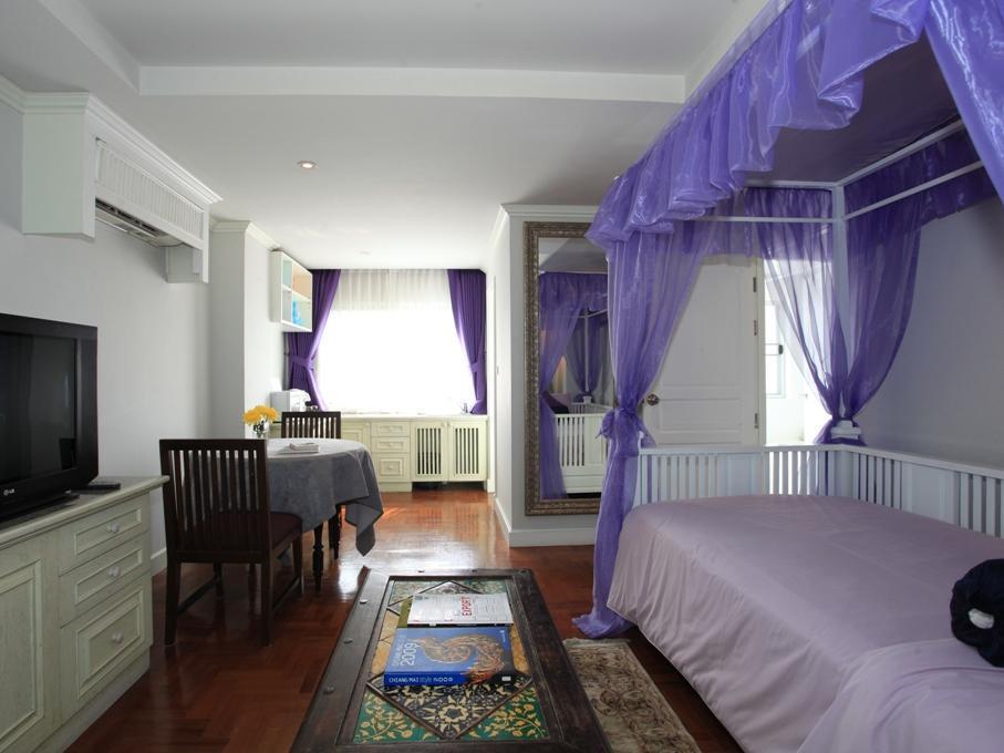 โรงแรมแอท พิงค์นคร