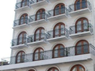Hotel Casamara Kandy - Hotel Front view
