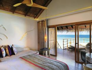 Constance Moofushi Maldives Islands - Water Villa - Bedroom