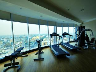 Hermes Palace Hotel Medan – Managed by Bencoolen Medan - Fitness Room