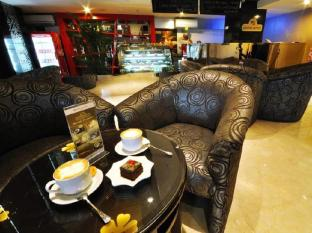 Hermes Palace Hotel Medan – Managed by Bencoolen Medan - Coffee Shop/Cafe