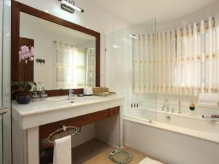 Kodchasri Thani Hotel Chiang Mai - Executive Bathroom