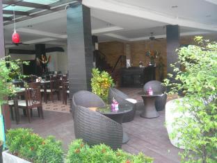 Mau-I Hotel Patong Phuket - Pubi/sohvabaar