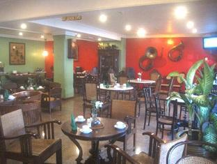 Hotel Budi Palembang - Kopitiam all day dining Restaurant | Bali Hotels and Resorts