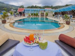 Sunshine Patong Hotel by Sunny Group Phuket - Fruit on pool