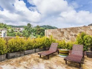Sunshine Patong Hotel by Sunny Group Phuket - Balcony/Terrace