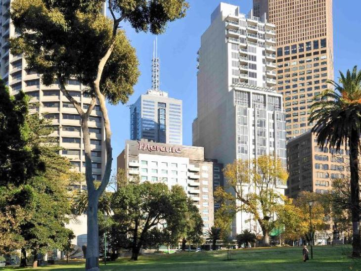 Mercure Melbourne Treasury Gardens Hotel photo 1