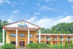 Days Inn & Conference Center by Wyndham Branford New Haven