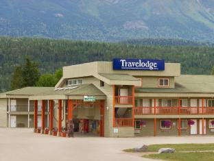 Travelodge by Wyndham Golden Sportsman Lodge