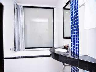 The BluEco Hotel Phuket - Bathroom