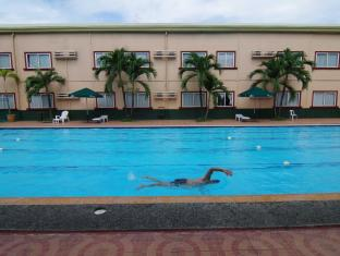 Holiday Spa Hotel Cebu City - Piscina