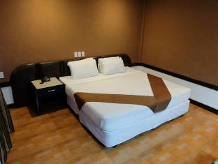 Holiday Spa Hotel Cebu City - Pokoj pro hosty