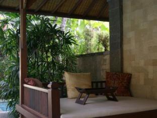 Taman Suci Suite & Villas Balis - Balkonas / terasa
