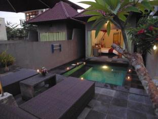 Bali Elephants Boutique Villa Jimbaran Бали - Балкон