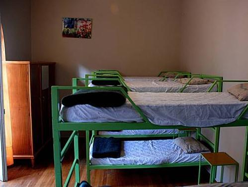 Pagration Youth Hostel – Athens 3